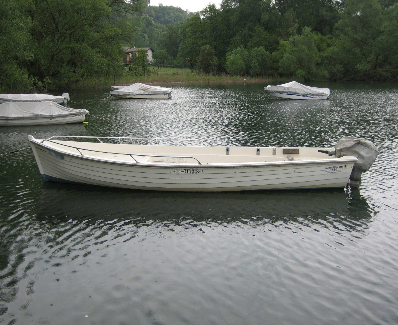 L 39 imbarcazione for Barca lancia vetroresina
